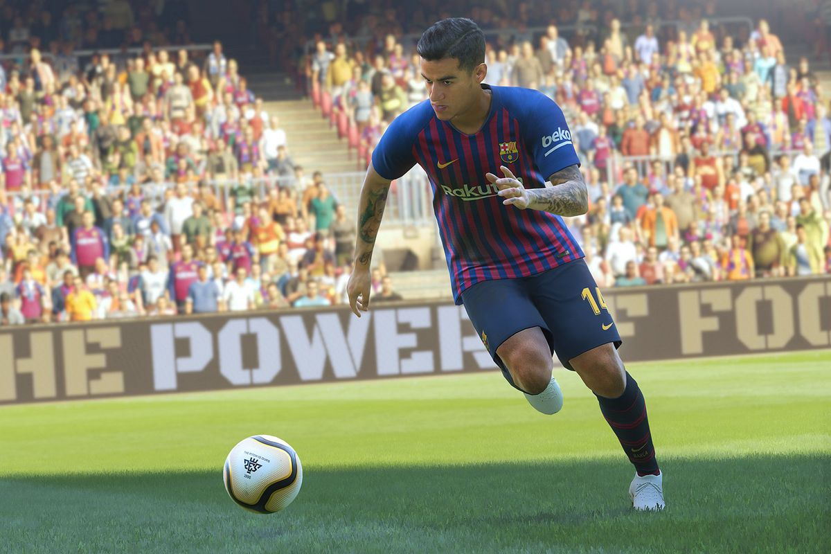 Philippe Coutinho dribbles a soccer ball