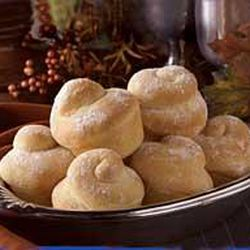 """Swirl Rolls can add an extra """"twist"""" to your Thanksgiving table this year."""