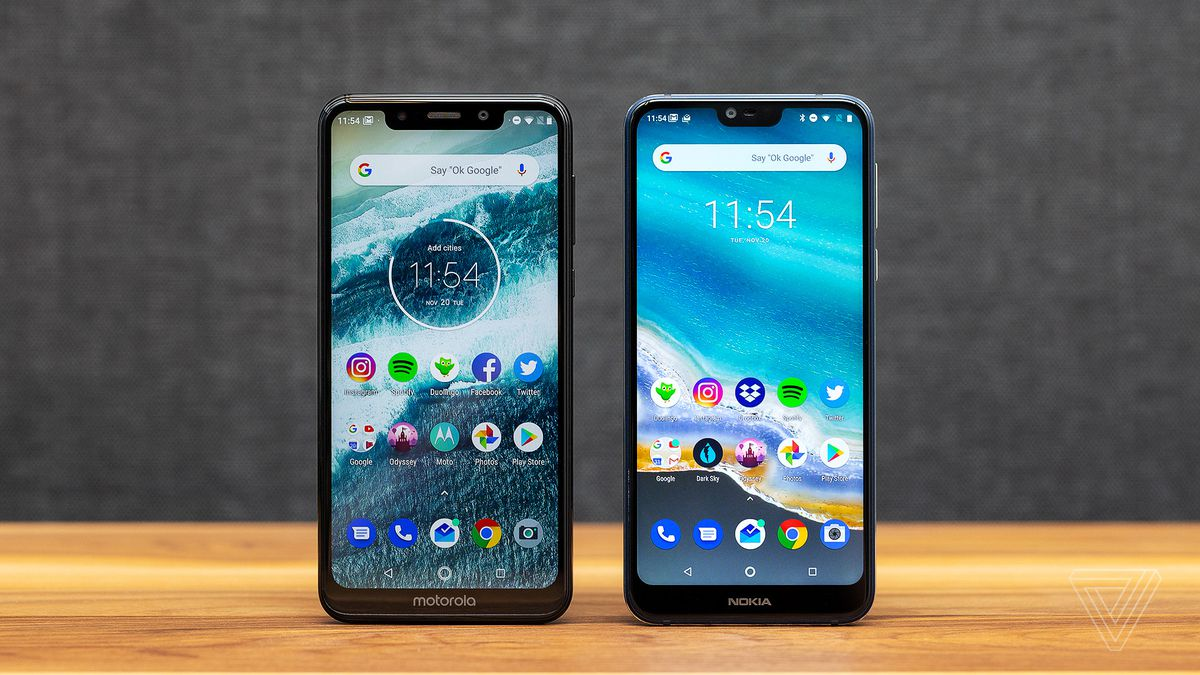 a83f03aa3b4 Motorola One and Nokia 7.1 review  small budget