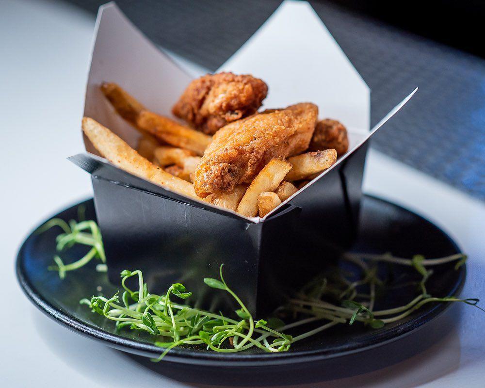 BLK Swan's chicken box