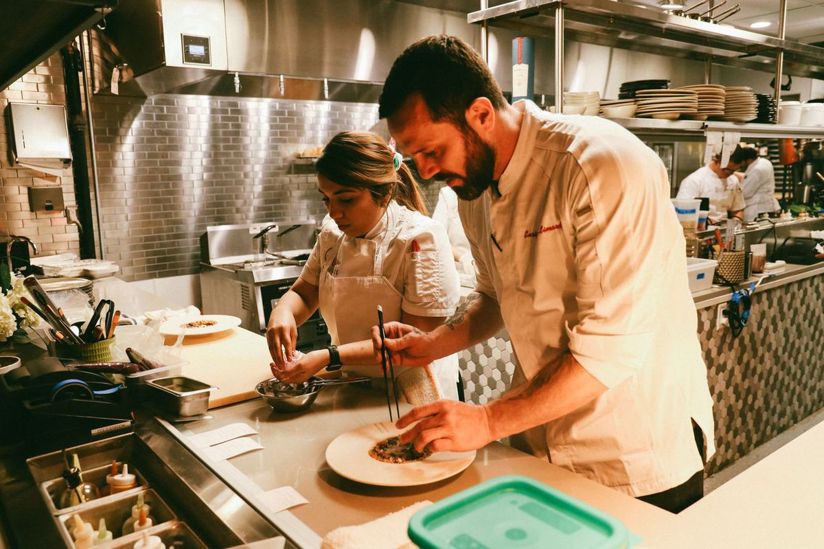 Seven Reasons chef Enrique Limardo at the stove.