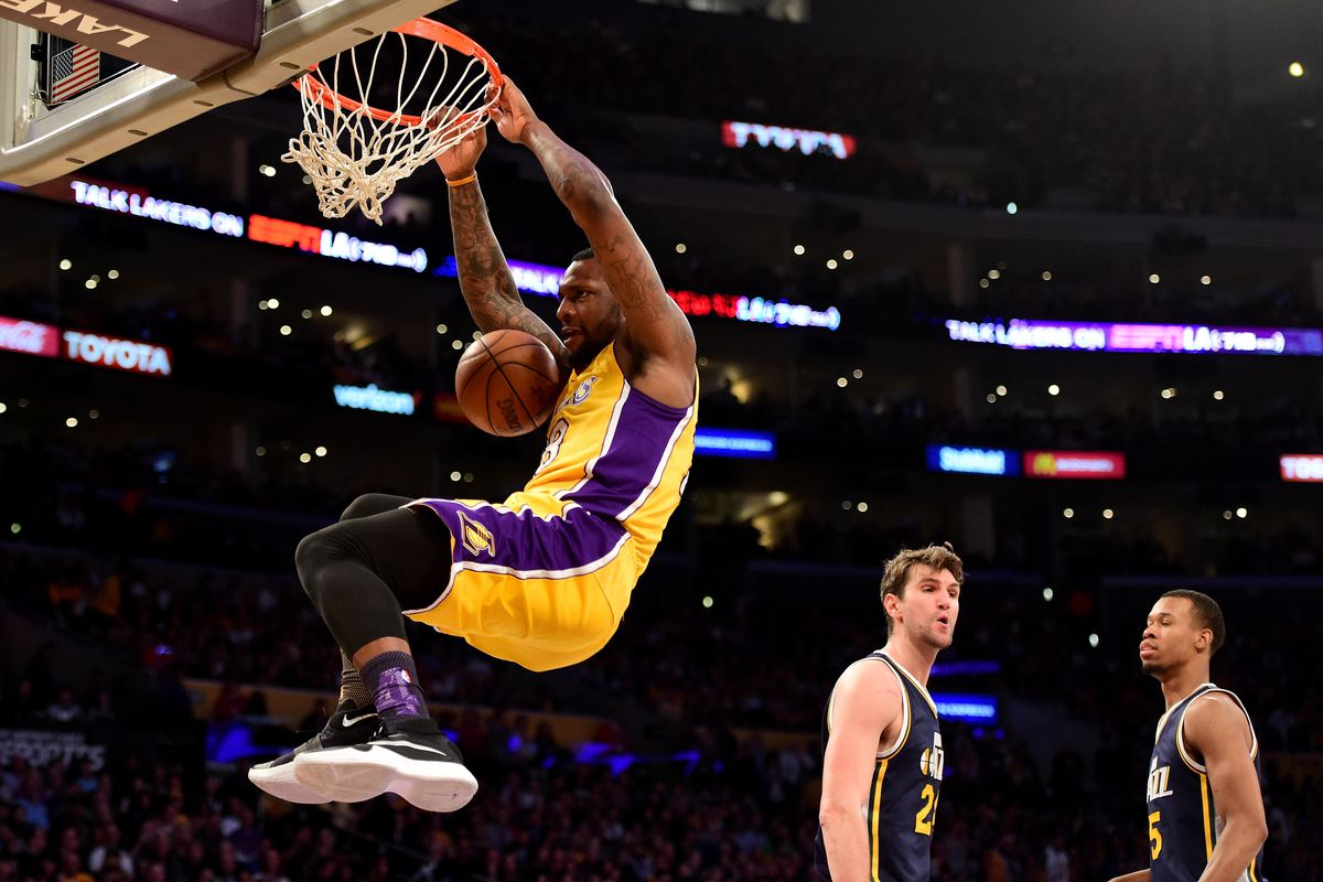 ee1b1e312 Lakers to officially re-sign Tarik Black on Wednesday - Silver ...
