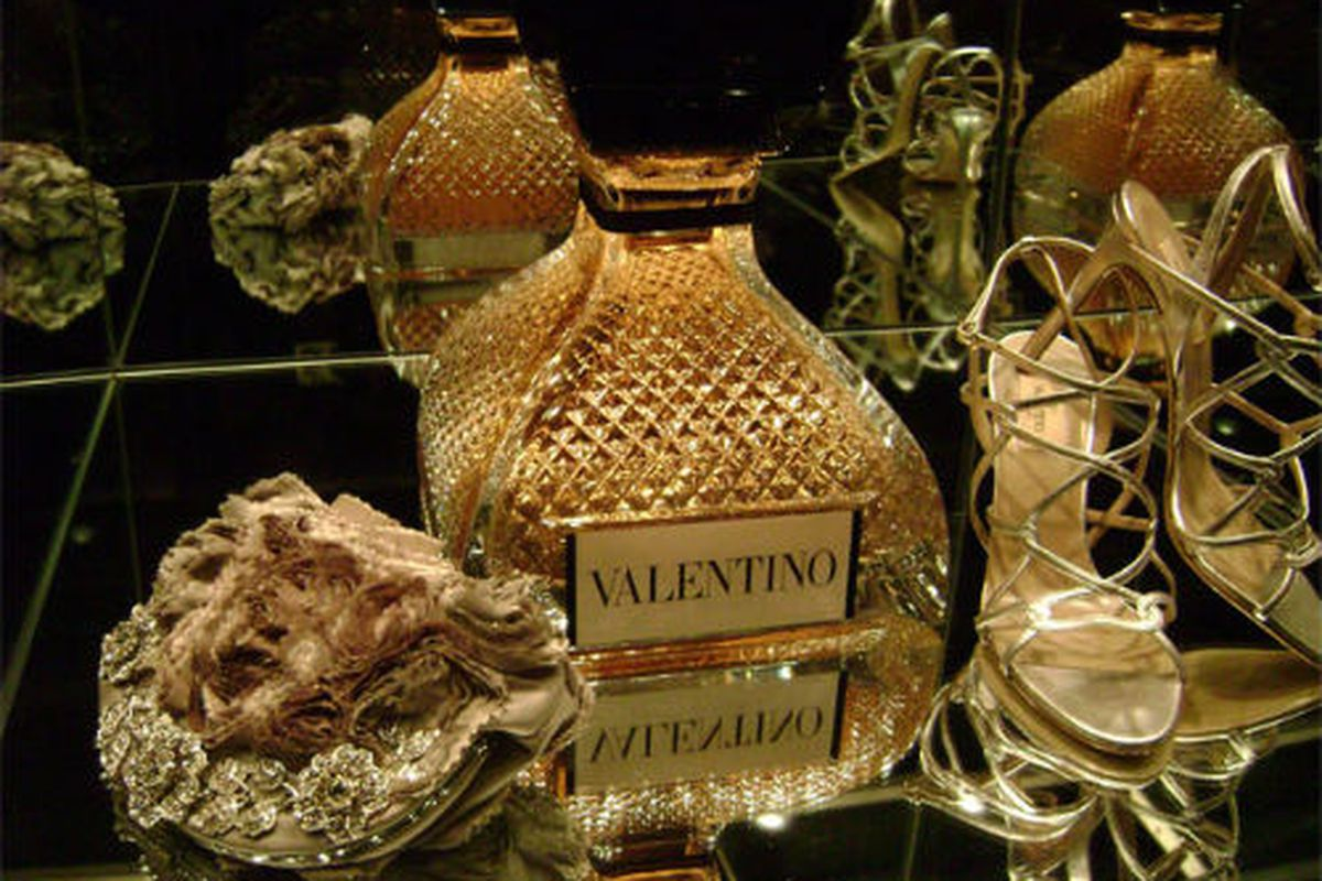 """Former Valentino window on Madison Avenue: The epicenter of the moves. Image via <a href=""""http://www.tforia.com/category/windows/page/3/"""">tforia</a>"""