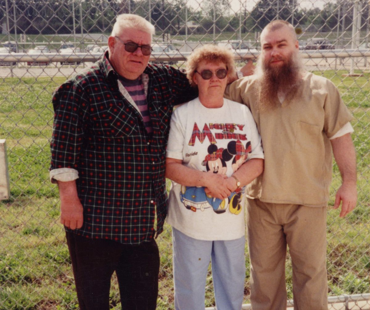 Steven Avery and his parents.