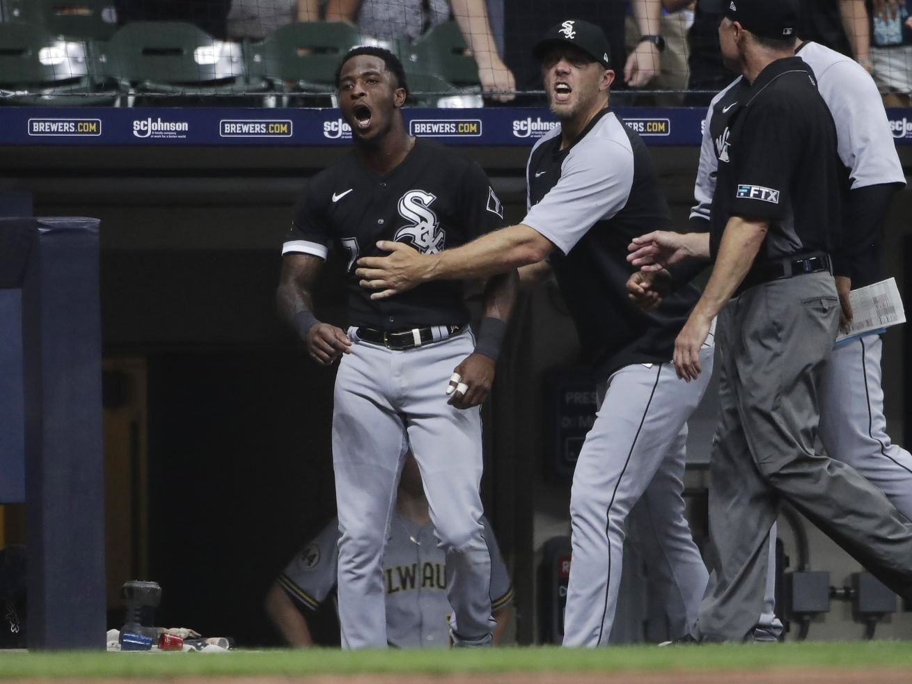 La Russa, Anderson ejected in White Sox' 7-1 loss to Brewers
