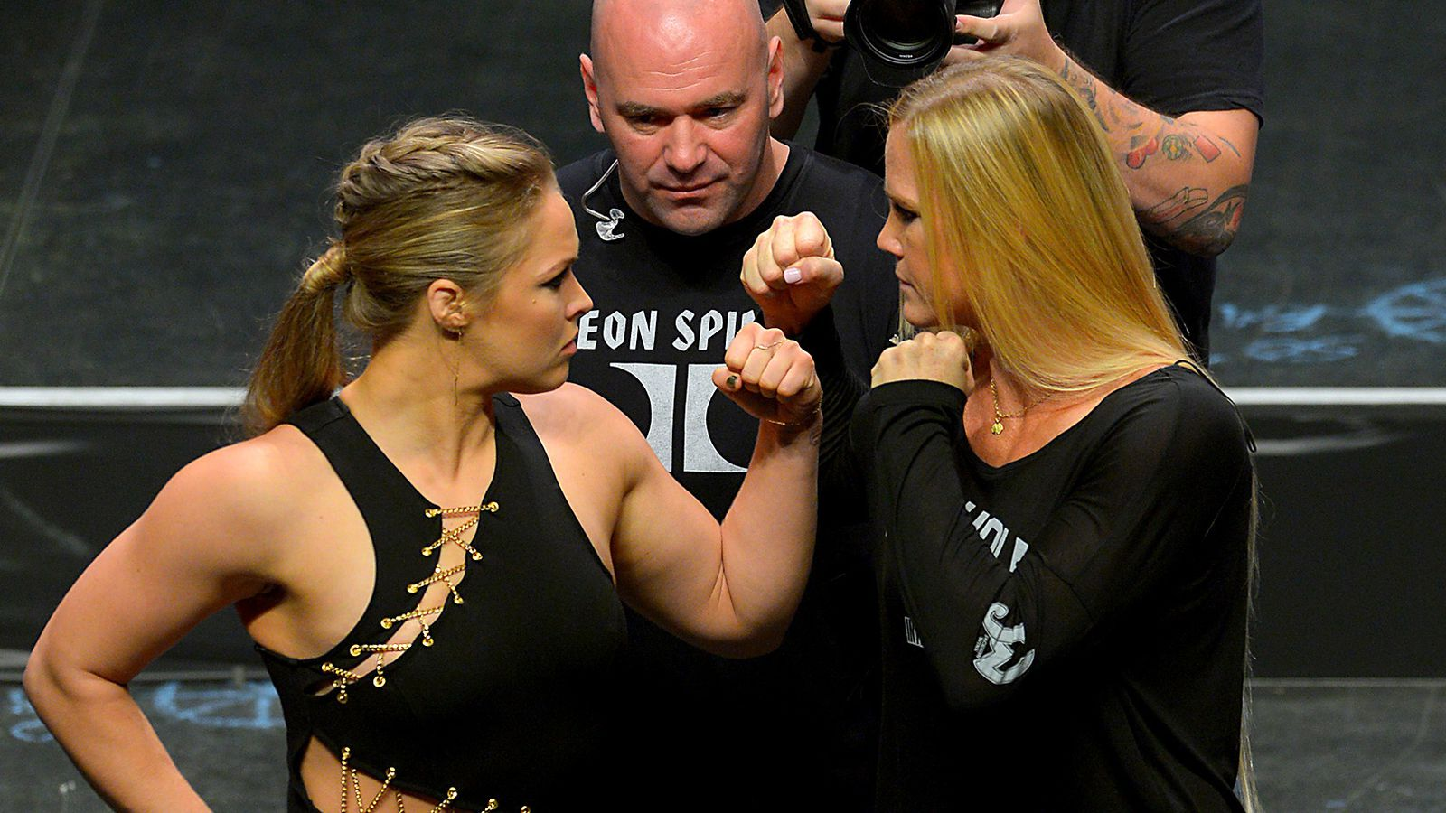 Ufc 193 Video Ronda Rousey Moved To Tears After Receiving