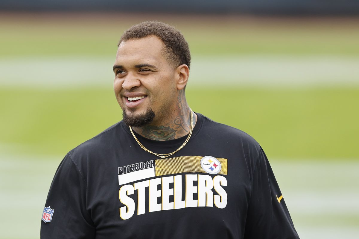 Maurkice Pouncey #53 of the Pittsburgh Steelers looks on prior to the game against the Jacksonville Jaguars at TIAA Bank Field on November 22, 2020 in Jacksonville, Florida.