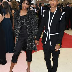 Willow (who is wearing Chanel) and Jaden Smith (who is wearing Louis Vuitton).