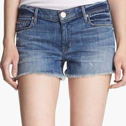 """<strong>Hudson Jeans</strong> 'Amber' Raw Edge Denim Shorts, <a href=""""http://shop.nordstrom.com/S/hudson-jeans-amber-raw-edge-denim-shorts-indie/3468847?origin=keywordsearch-personalizedsort&contextualcategoryid=0&fashionColor=&resultback=1334&cm_sp=perso"""