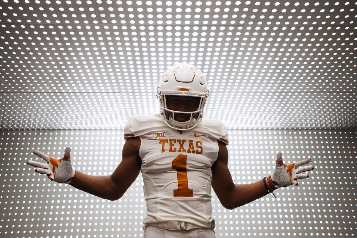 2017 Texas Basketball Recruiting Longhorn Class Ranked 4: Elite 4-star Early Enrollee WR Brennan Eagles Officially