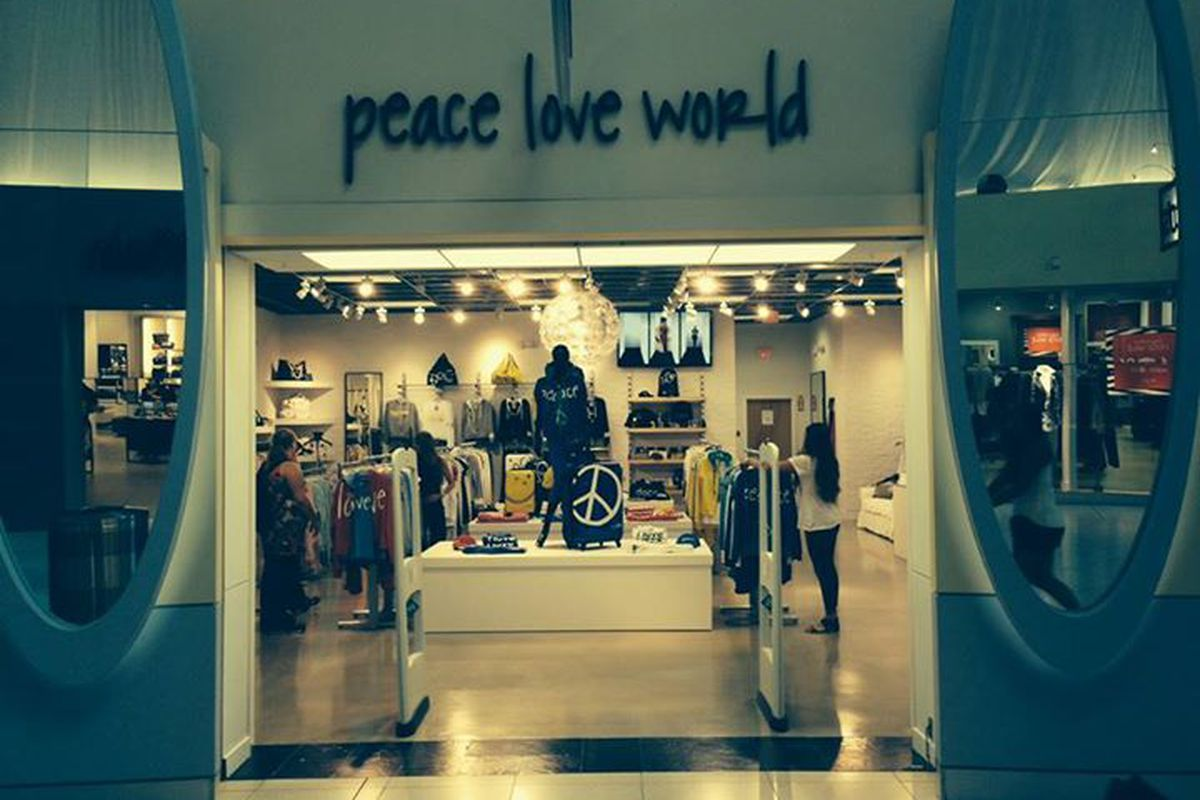 Photo Peace Love World Peace Love Worlds Dolphin Mall