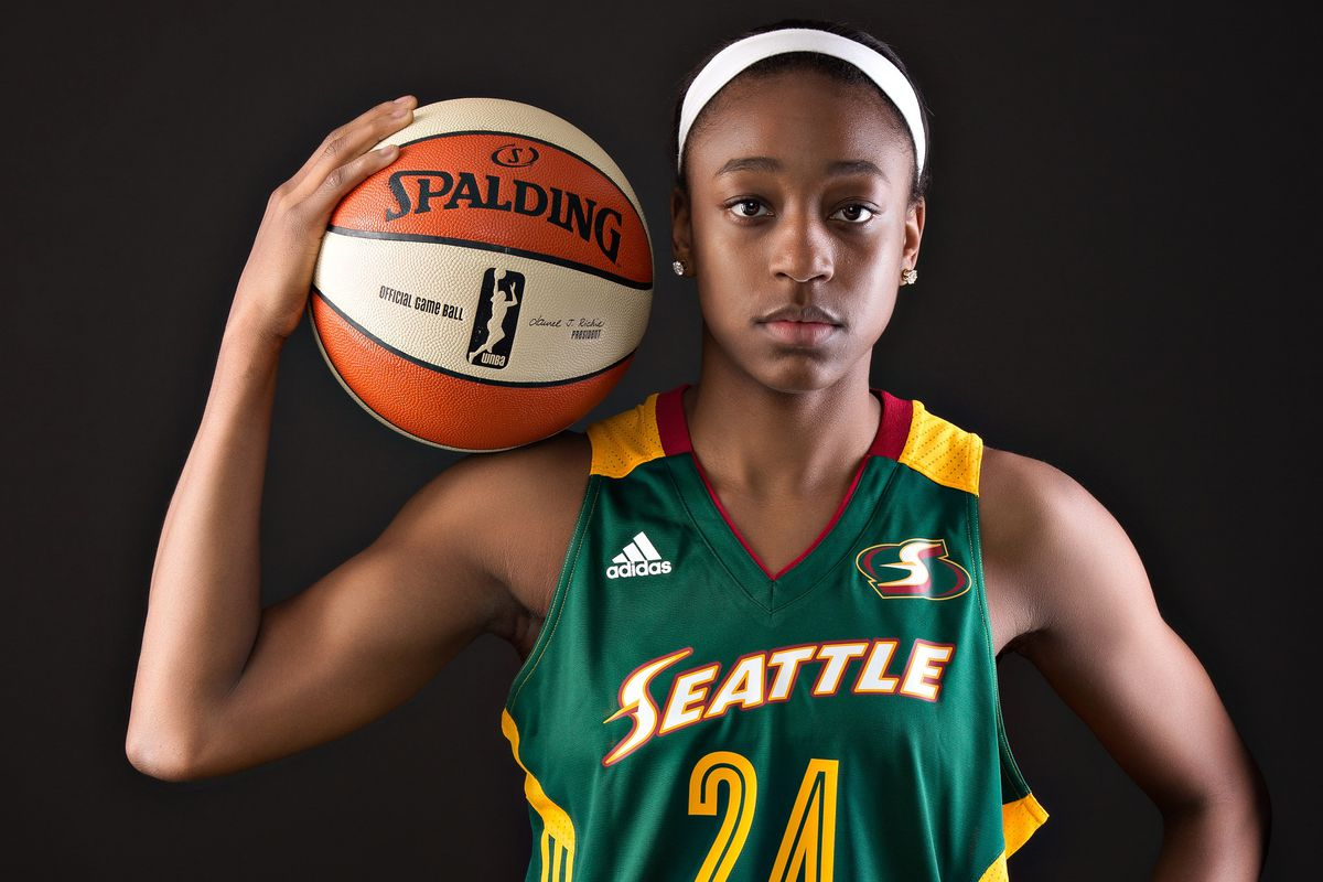 Jewell Loyd scores a career high 30 points, including the game winner