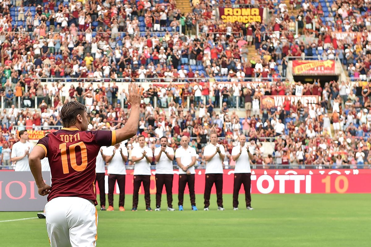 Supporters adored one of Francesco Totti's final tricks in a Roma shirt