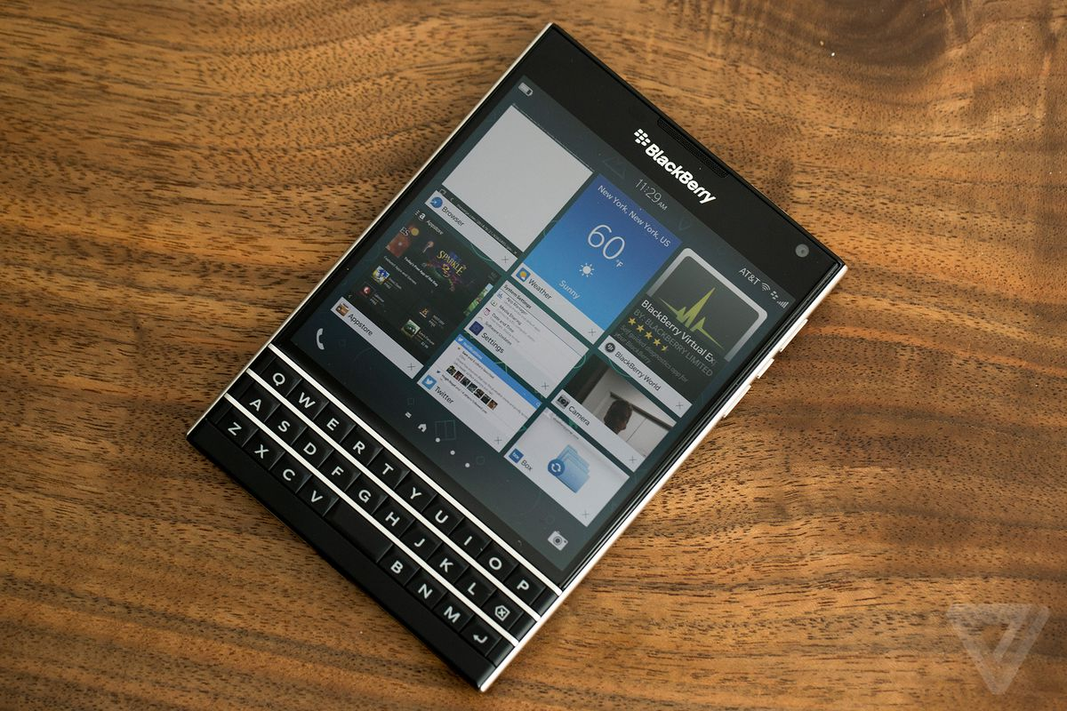 Blackberry passport supports whatsapp