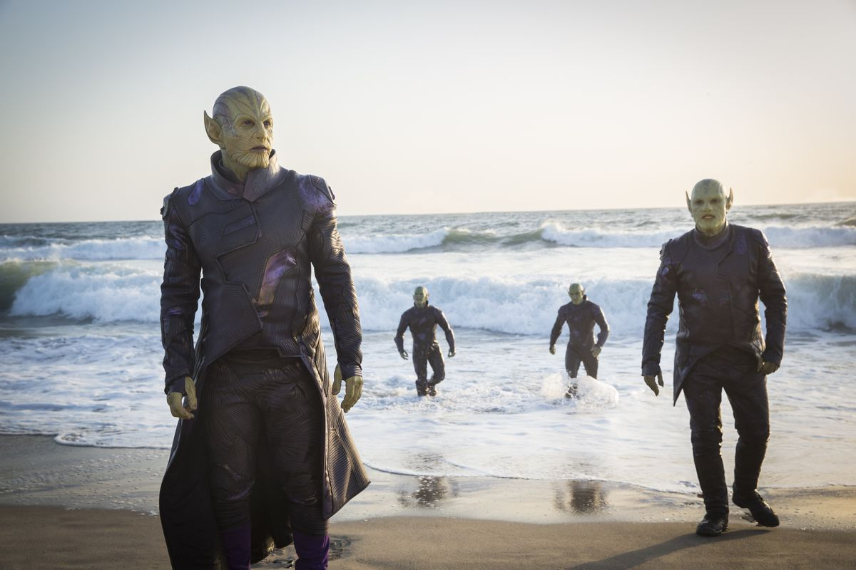 Ben Mendelsohn as the skrull leader Talos (left) and three other skrulls in Captain Marvel.