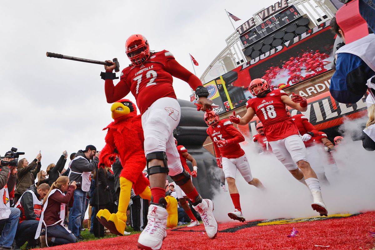 Game Day: Louisville At Wake Forest - Card Chronicle