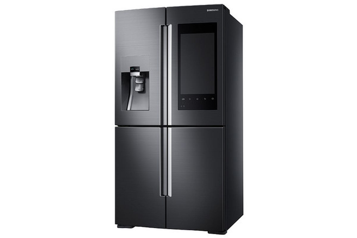 Here are official photos of Samsung\'s crazy fridge with a giant ...