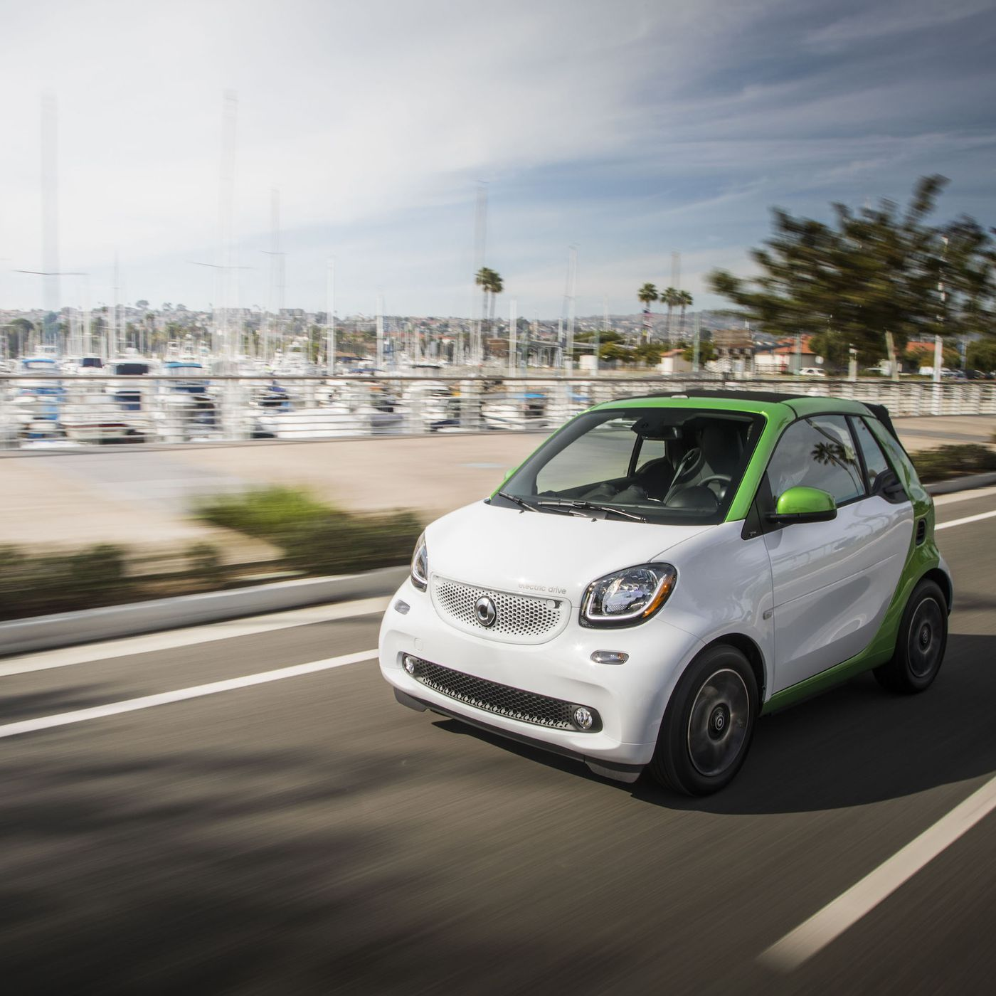 The Smart Car Goes Electric Before It