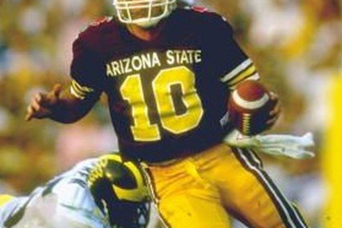 Jeff Van Raaphorst scrambles in the 1987 Rose Bowl (Photo: ASU)