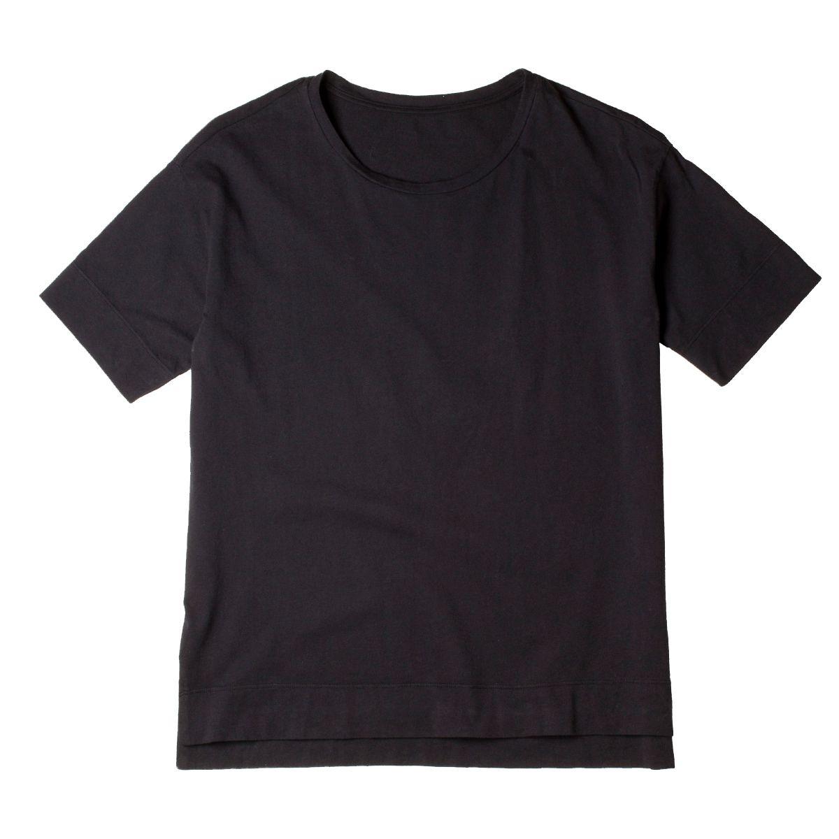 a black t-shirt