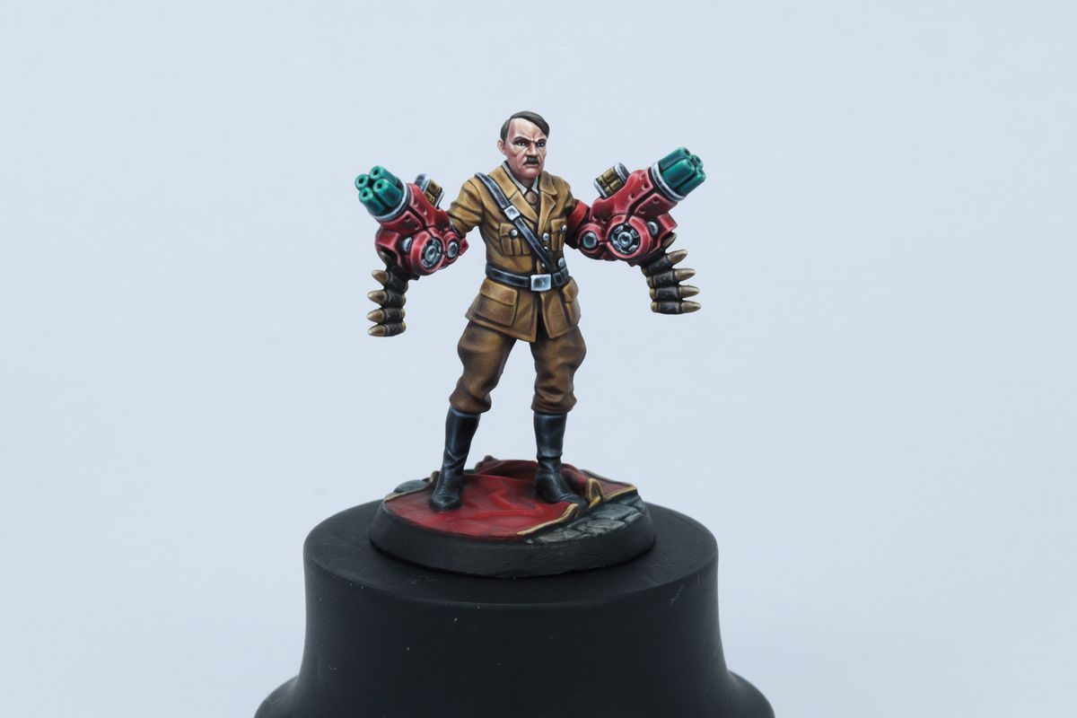 Adolf Hitler with machine gun arms, fully painted by Archon Studio.