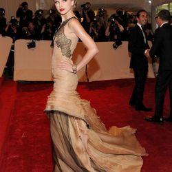 Taylor Swift in J. Mendel