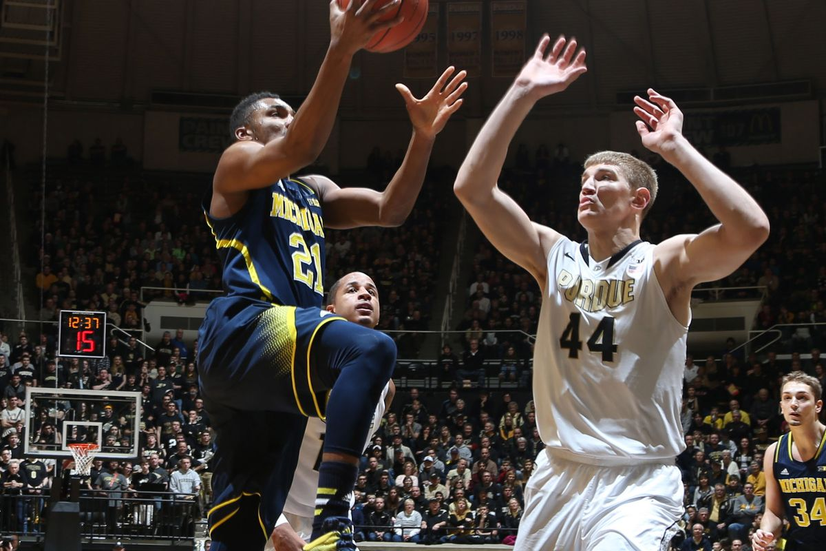One of the rare moments that Gene Steratore allowed Isaac Haas to play.