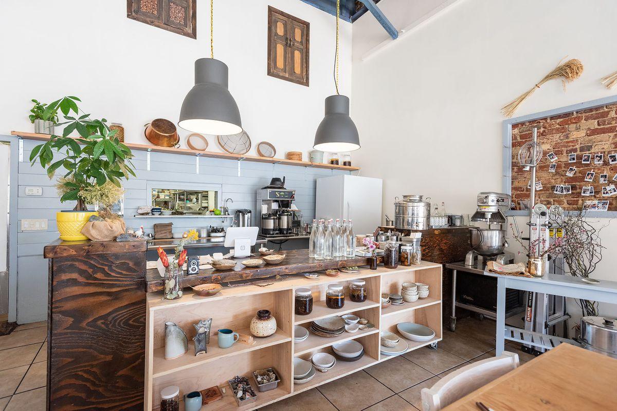 Porridge and Puffs interior