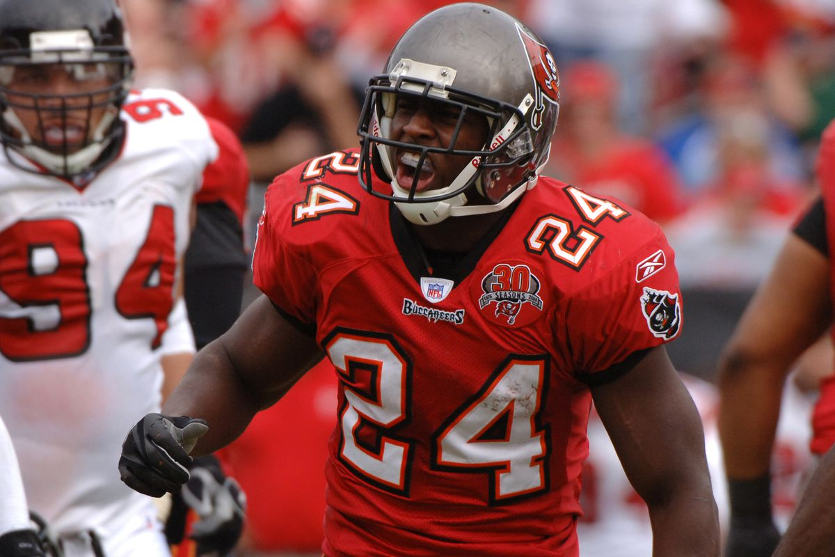 0667595d9 Where in the World is Cadillac Williams  - Bucs Nation