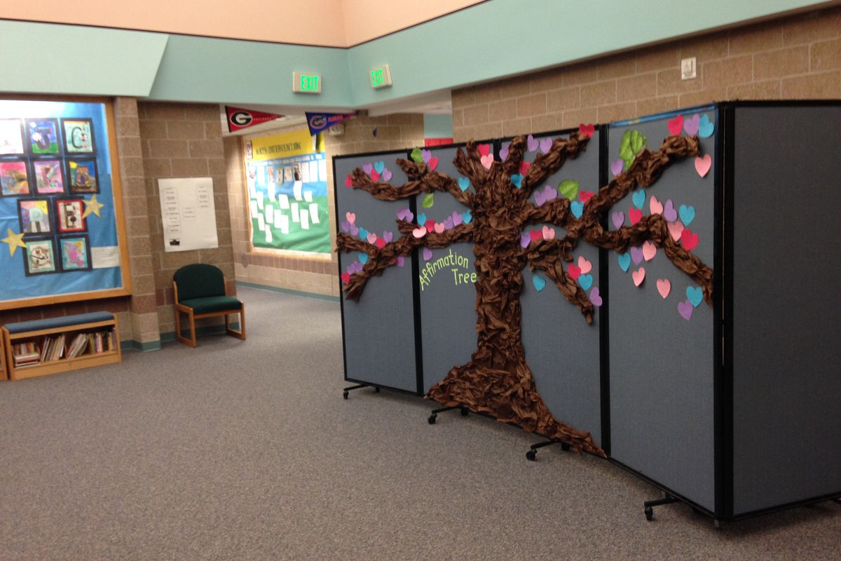 A temporary divider in the hallway of Green Valley Elementary serves as an intervention classroom.
