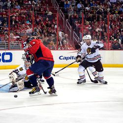 Ovechkin Tries to Collect Puck In Front of Raanta