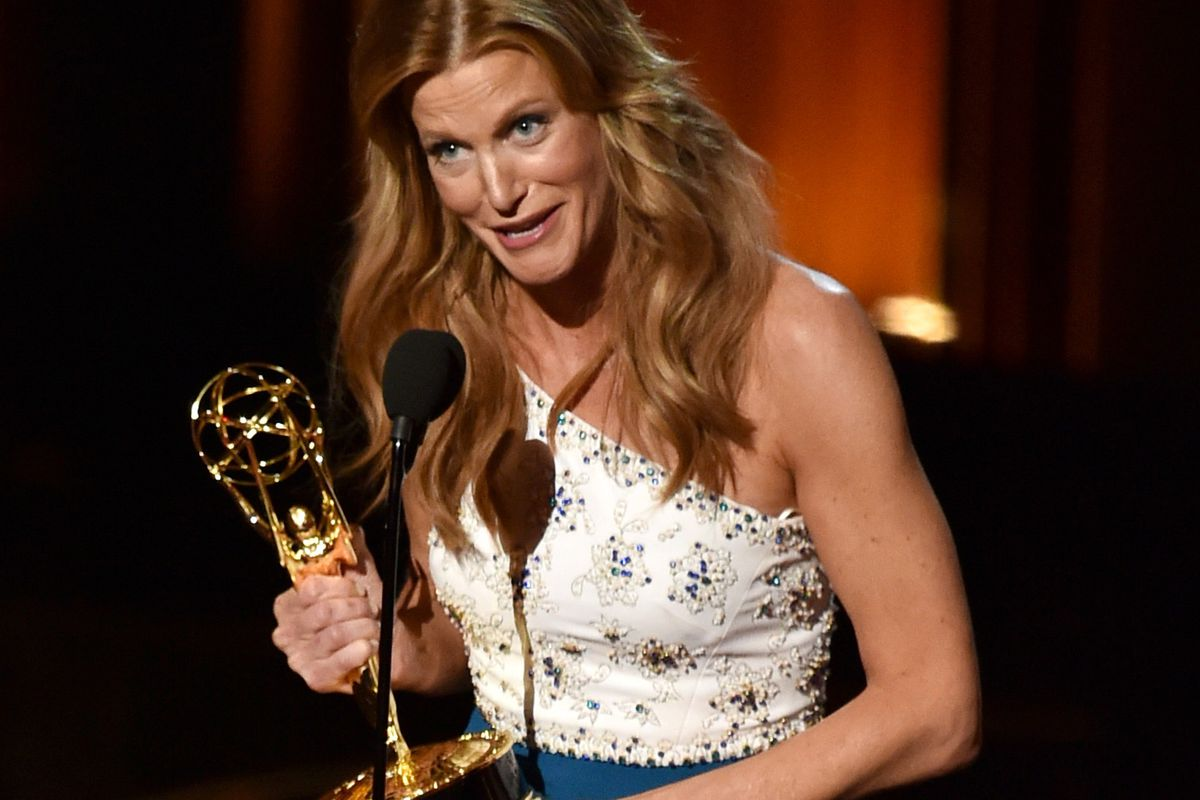 Breaking Bad's Anna Gunn thanks the Academy after winning her second Emmy for Supporting Actress in a Drama Series.