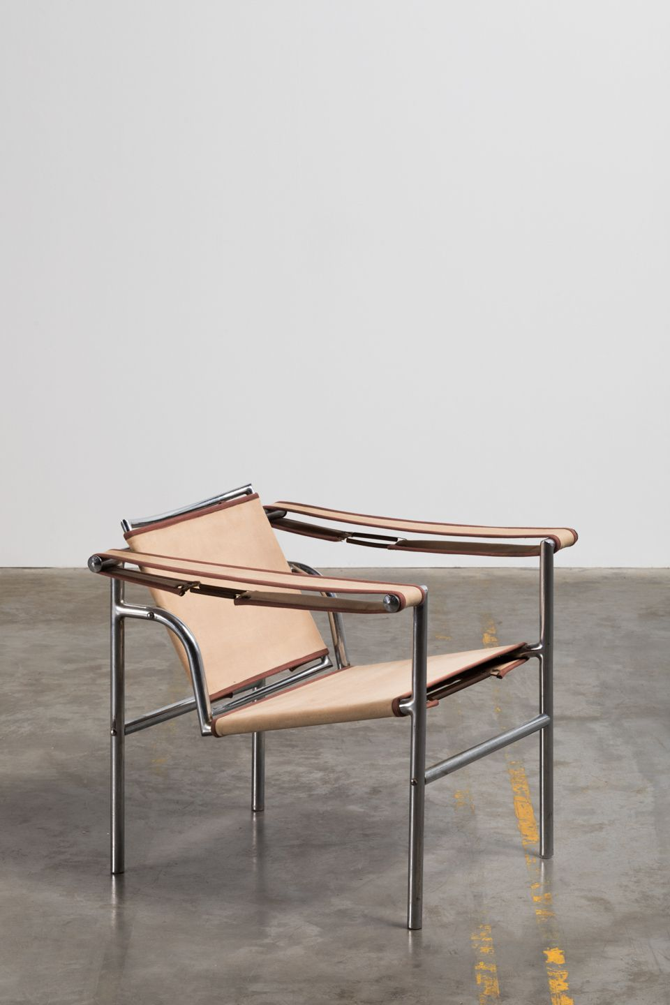Chair with metal tubing