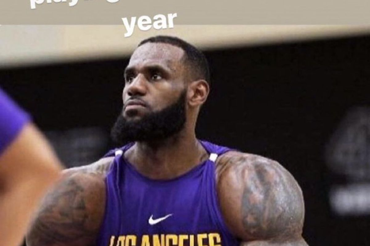 129536b4544 LeBron James posts comically swole photo on Instagram to joke about playing  more center on the Lakers this season