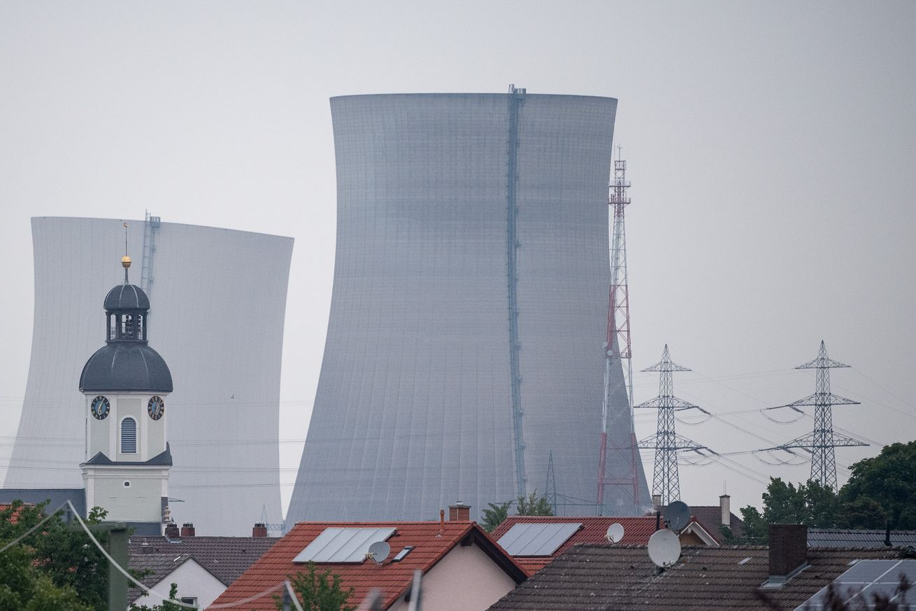 Philippsburg nuclear power plant - blasting the cooling towers