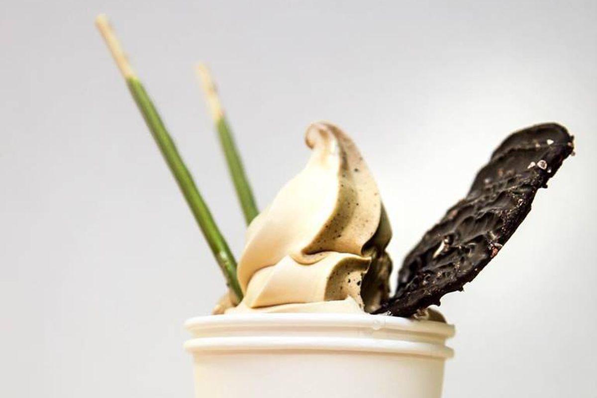 chocolate vanilla swirl dating