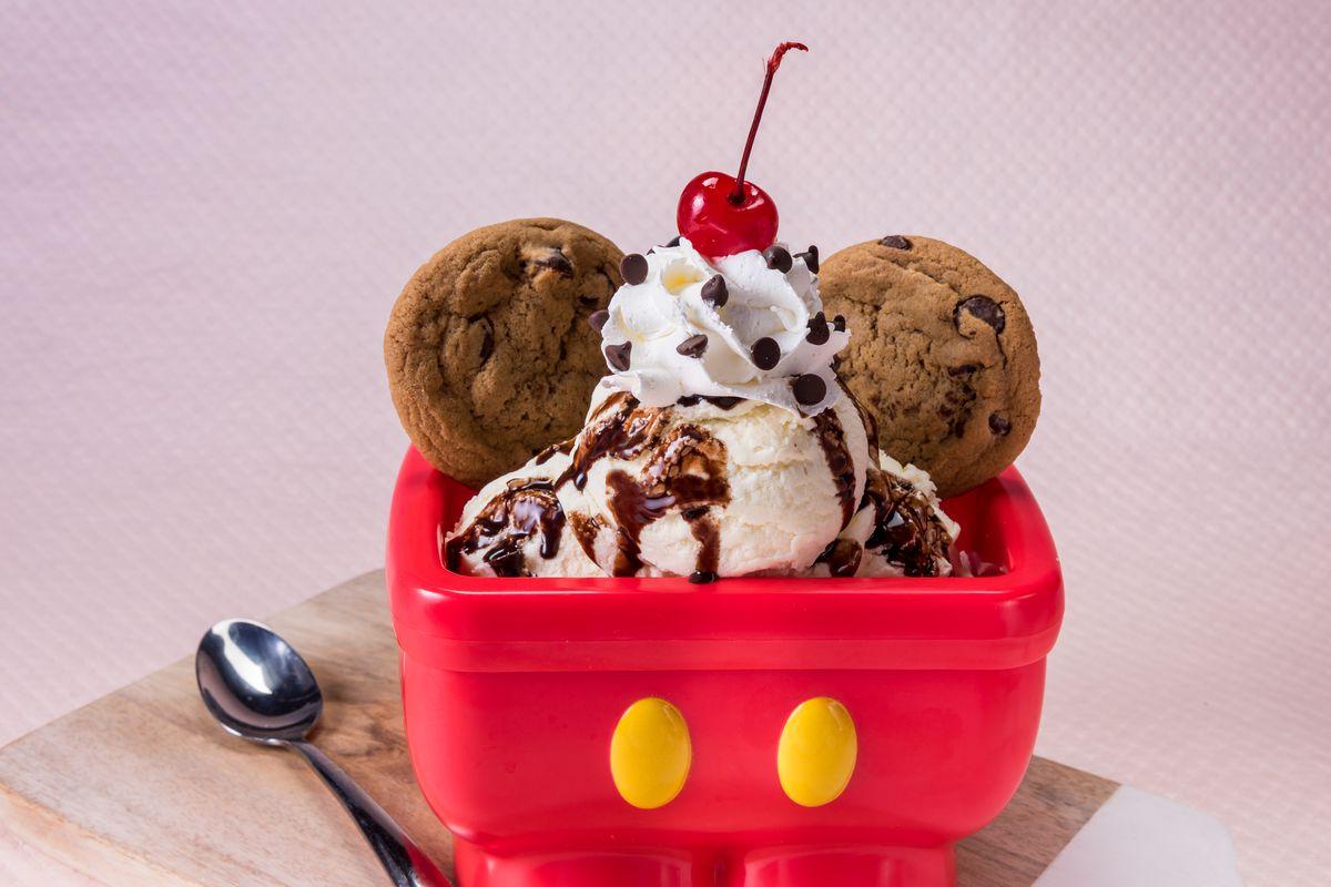 Hot fudge sundae from Disneyland's Gibson Girl ice cream parlor