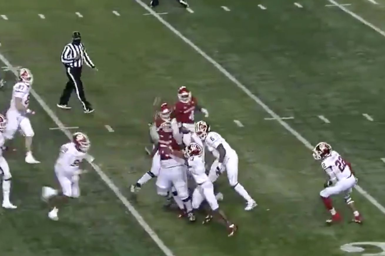 rutgers.0 - This Rutgers touchdown was the best play of 2020 ... except it never happened