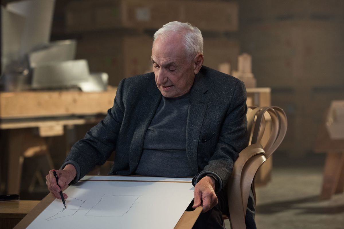 Frank Gehry making a sketch