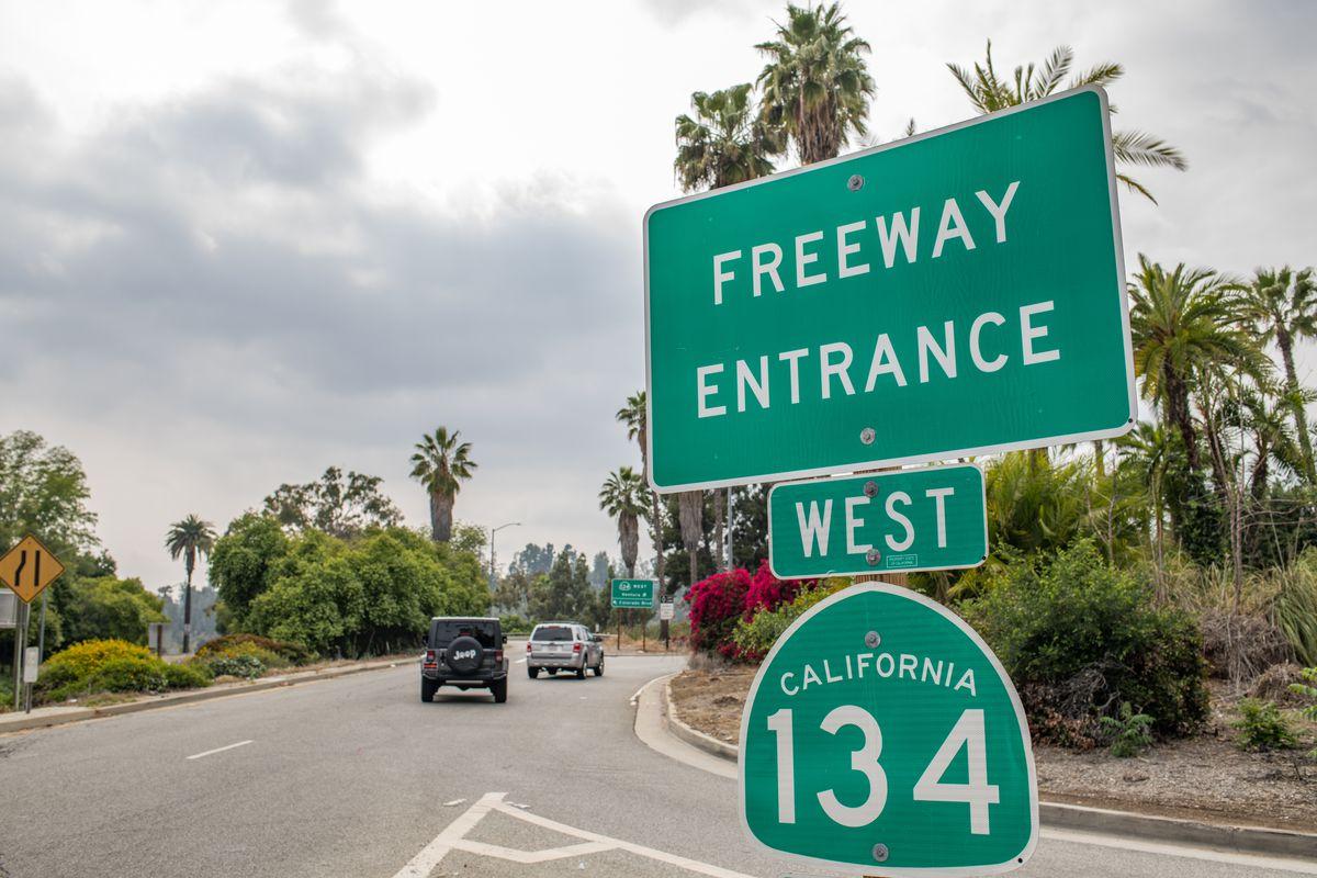 134 freeway sign