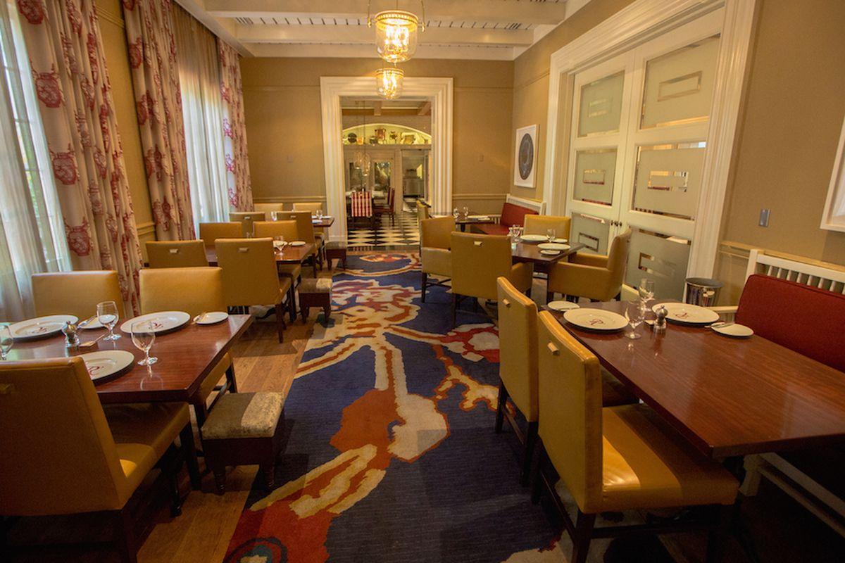 Inside Restaurant R'evolution