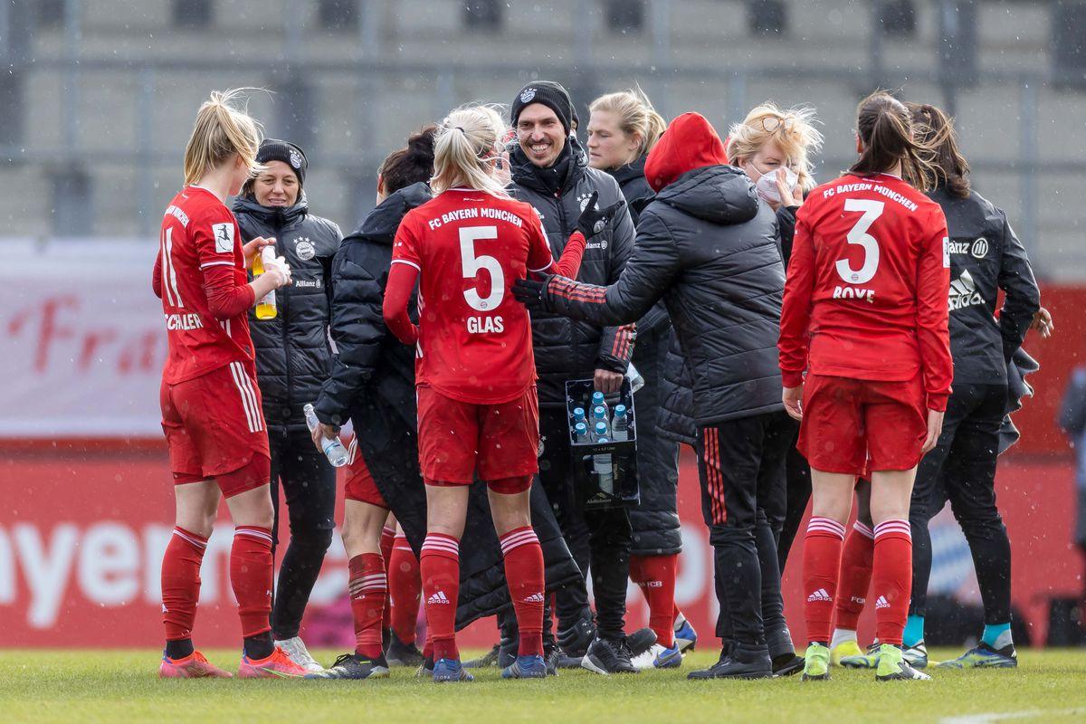 Bayern Muenchen v SGS Essen - Frauen Bundesliga