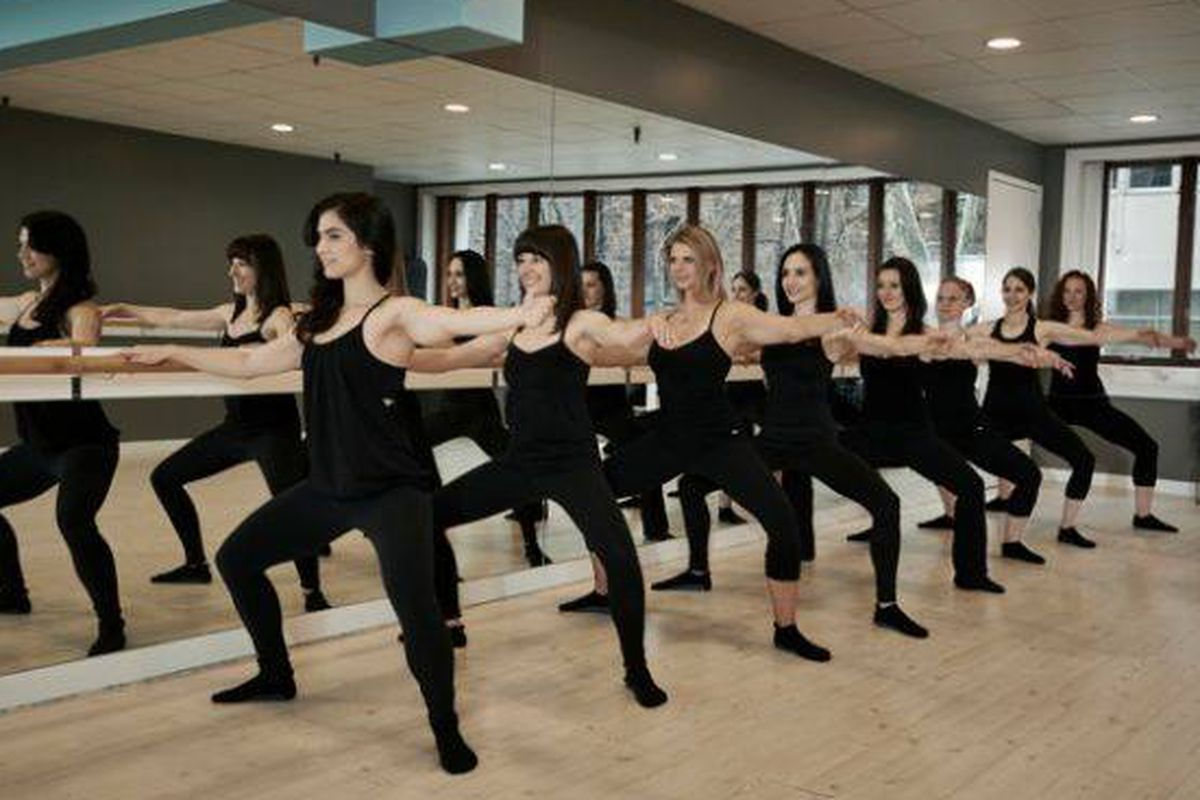 """Image via <a href=""""https://www.facebook.com/pages/Xtend-Barre-Brooklyn-Heights/505355129527423"""">Xtend Barre</a>/Facebook"""