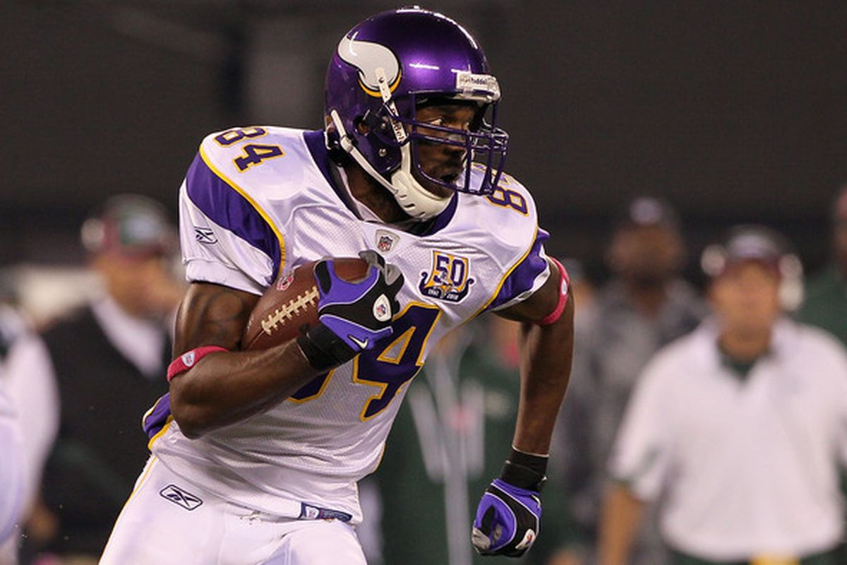 brand new a5e0f 603a3 Randy Moss, 49ers Agree To Contract Following Workout ...