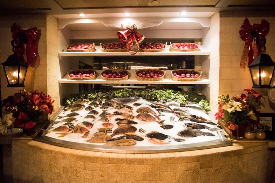 Kellari Taverna DC display