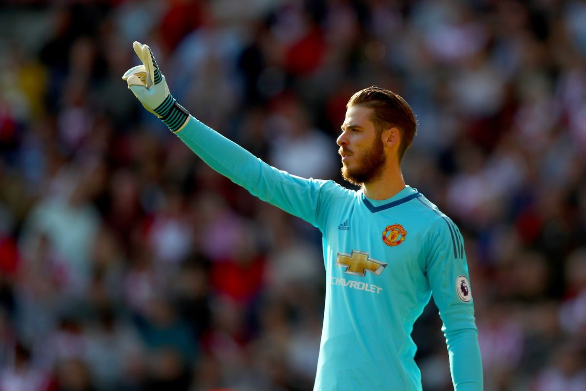 Confident Man Utd enter De Gea contract talks as Real Madrid circle