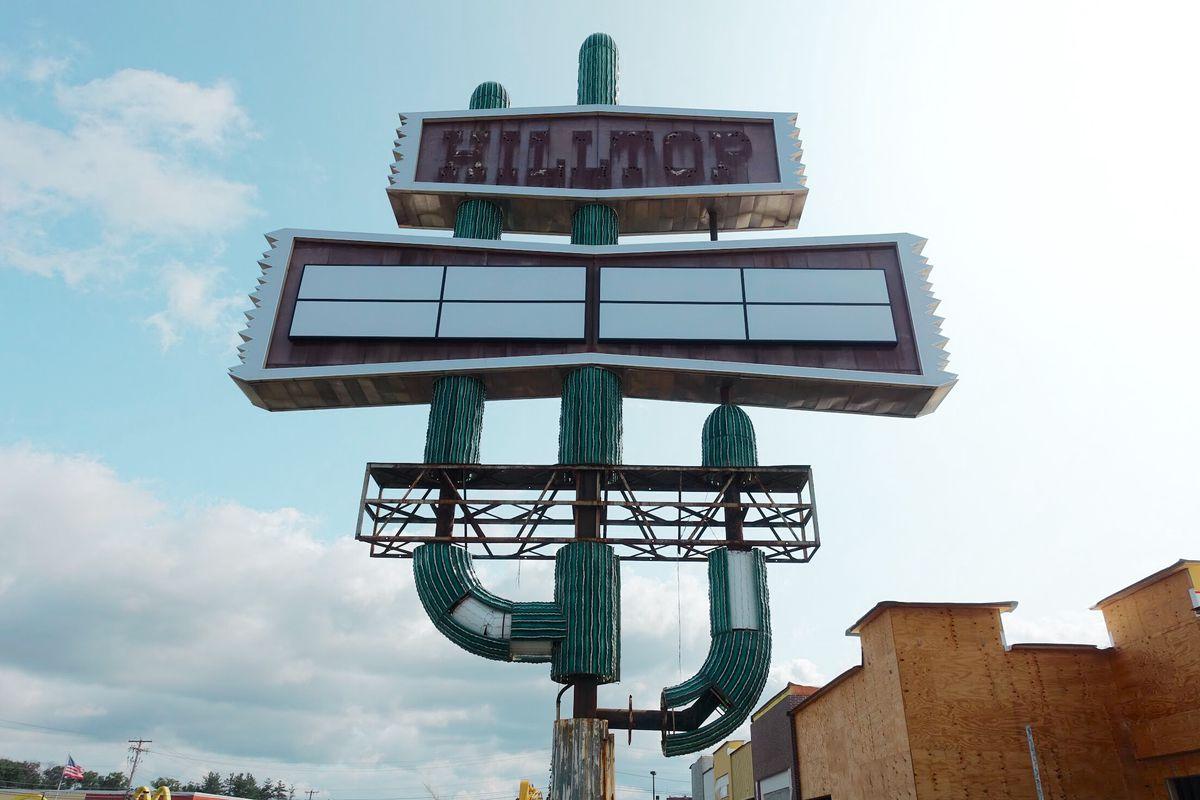 hilltop steakhouse cactus