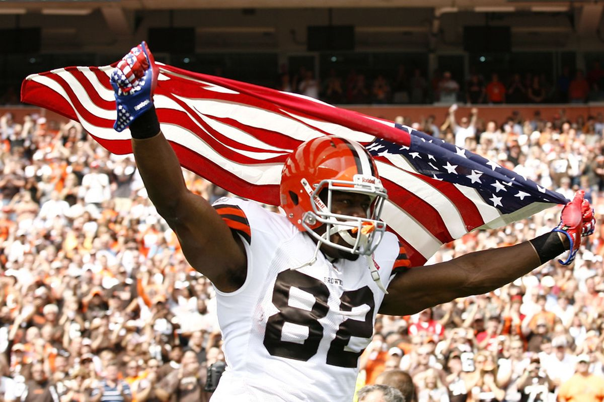 Ben Watson is not only patriotic, but athletic enough to create match up problems for defenses.