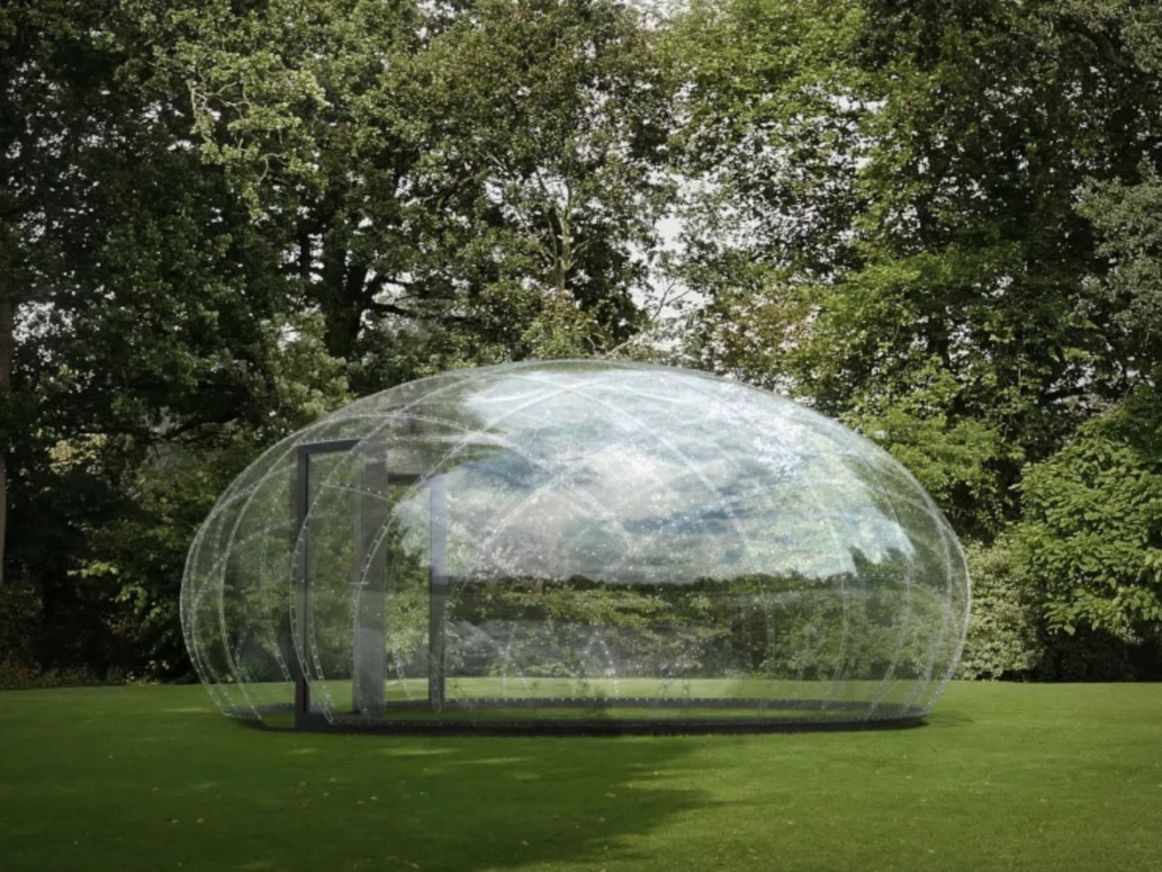 Transparent pavilion looks like a massive water droplet