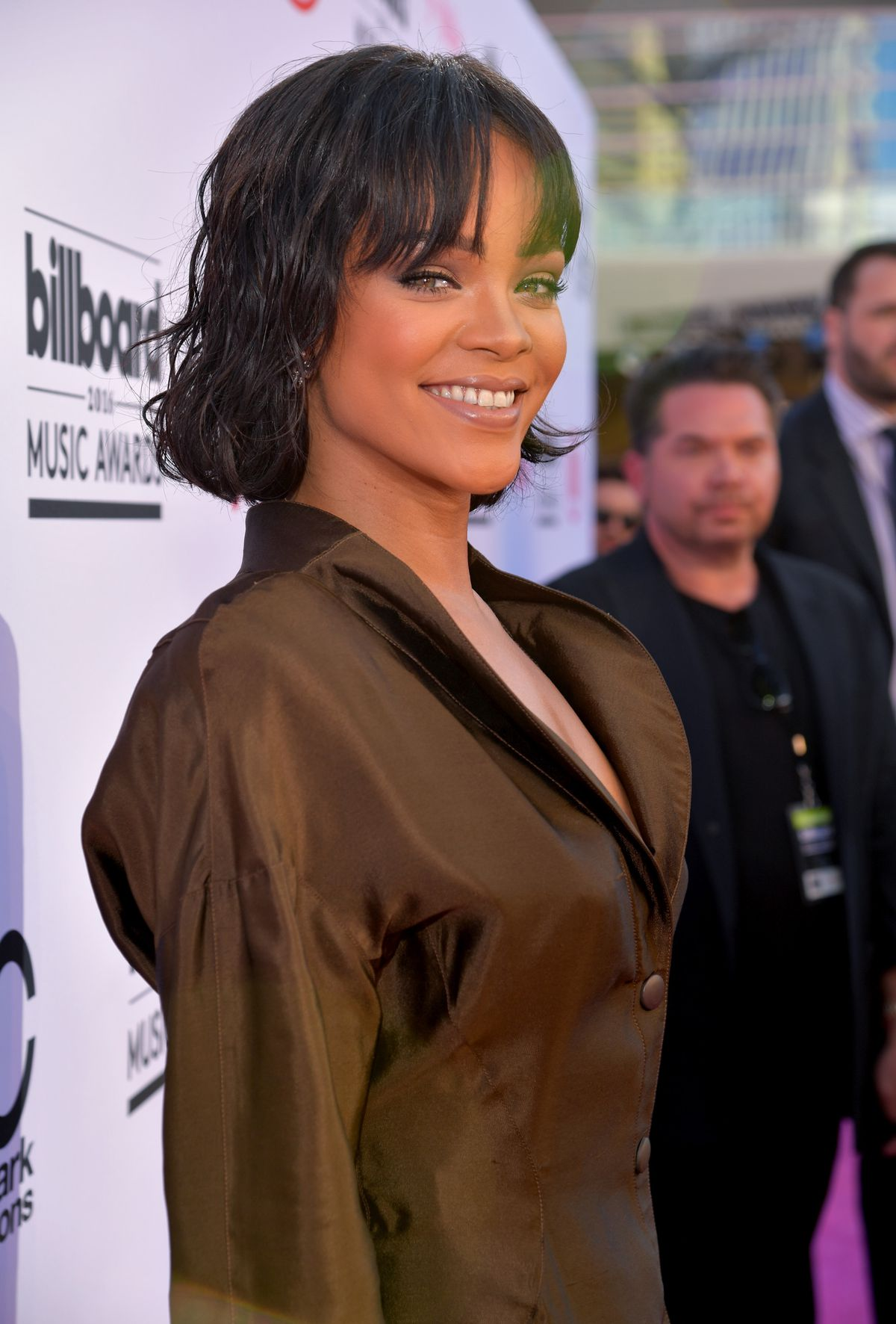 Rihanna's Is Channeling Your Mom in the 80s at the Billboard Awards